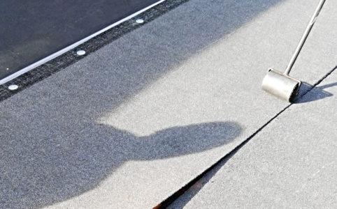 Pokládka asfaltových pásů