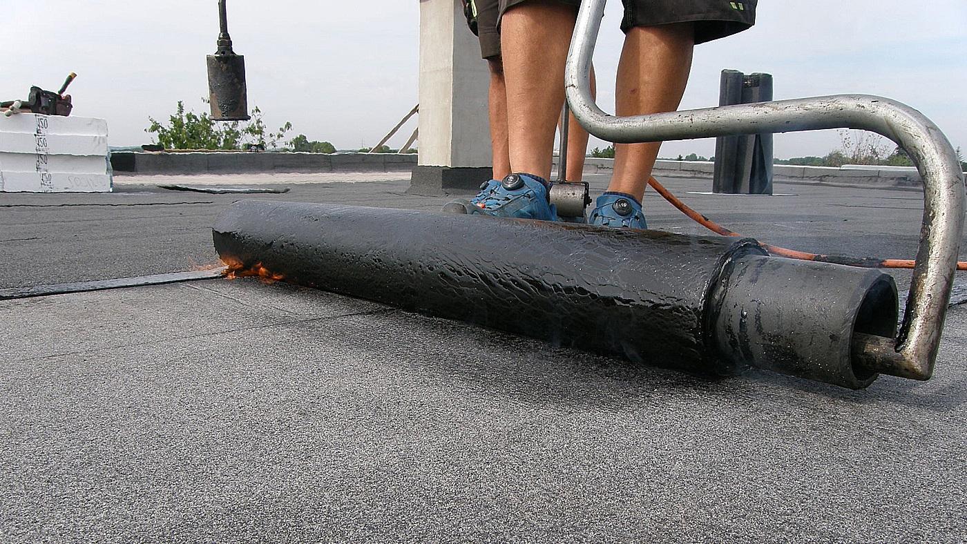 Jak lepit asfaltové pásy natavováním